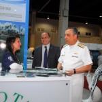 Visita do Almirante de Esquadra Julio Soares de Moura Neto à Feira Técnico-Científica